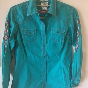Ariat turquoise western top with cool embroidery